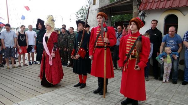 Спуск ботика Петра Первого 2015-31