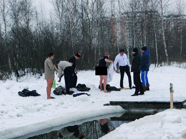 Как казаки на Святом озере купались