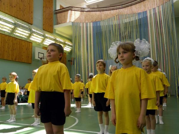 Спортивный праздник 2010 в школе №1022-3