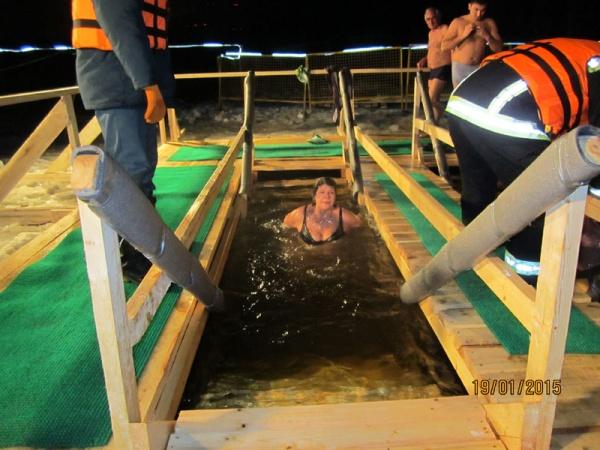 Крещенские купания в Косино 2015 год-12