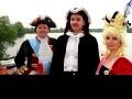Слева направо: Князь Александр Меньшиков, Петр Первый (Царь), Екатерина Первая (императрица).