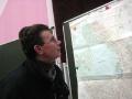Алексей знакомится с планом реконструкции Косино. 2008 год.