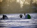 Косинским рыбакам лютые морозы непочём)